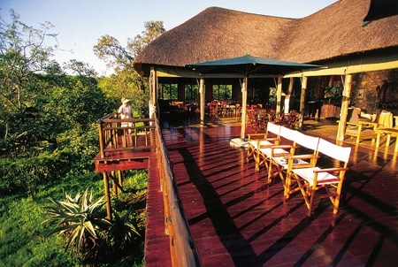 Shayamoya Game Lodge - View of deck