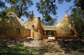 Hoyo Hoyo Tsonga Village