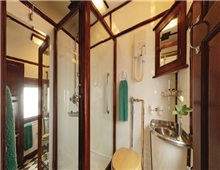 Deluxe Suite Shower
