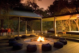 Honeyguide Tented Safari Camp - Khoka Moya. Fire place in Boma